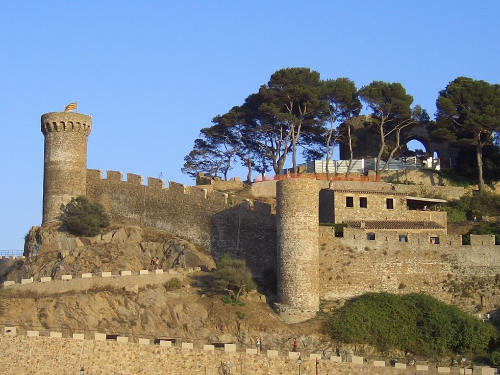 Тосса-де-Мар-крепость-1024x768