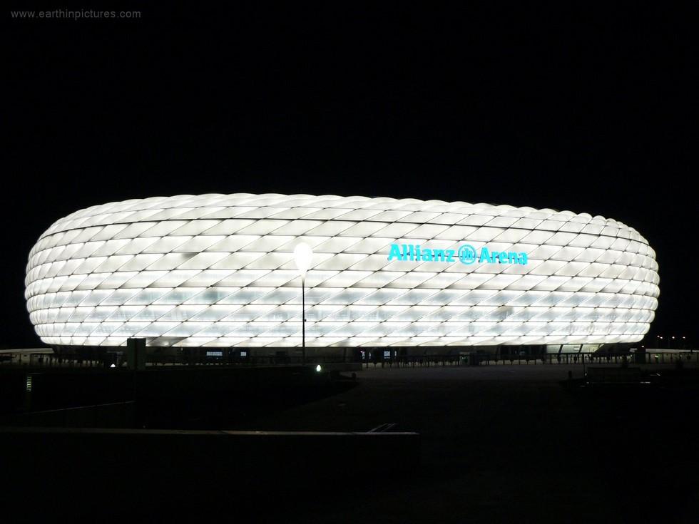 стадион_аллианц_арена_ночью_(белая)_1280x960