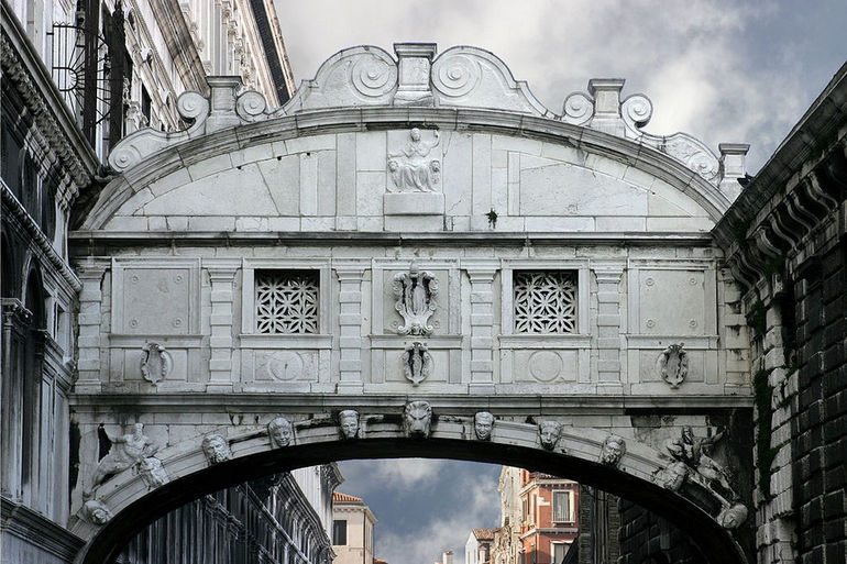 1024px-Venice_-_The_Bridge_of_Sighs