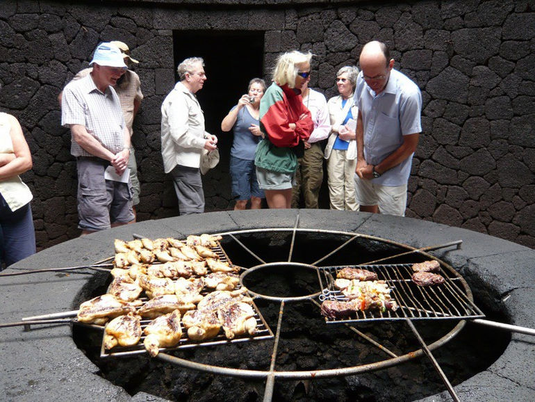 10258734_Lanzarote_El_Diablo_Volcano_Restaurant_big