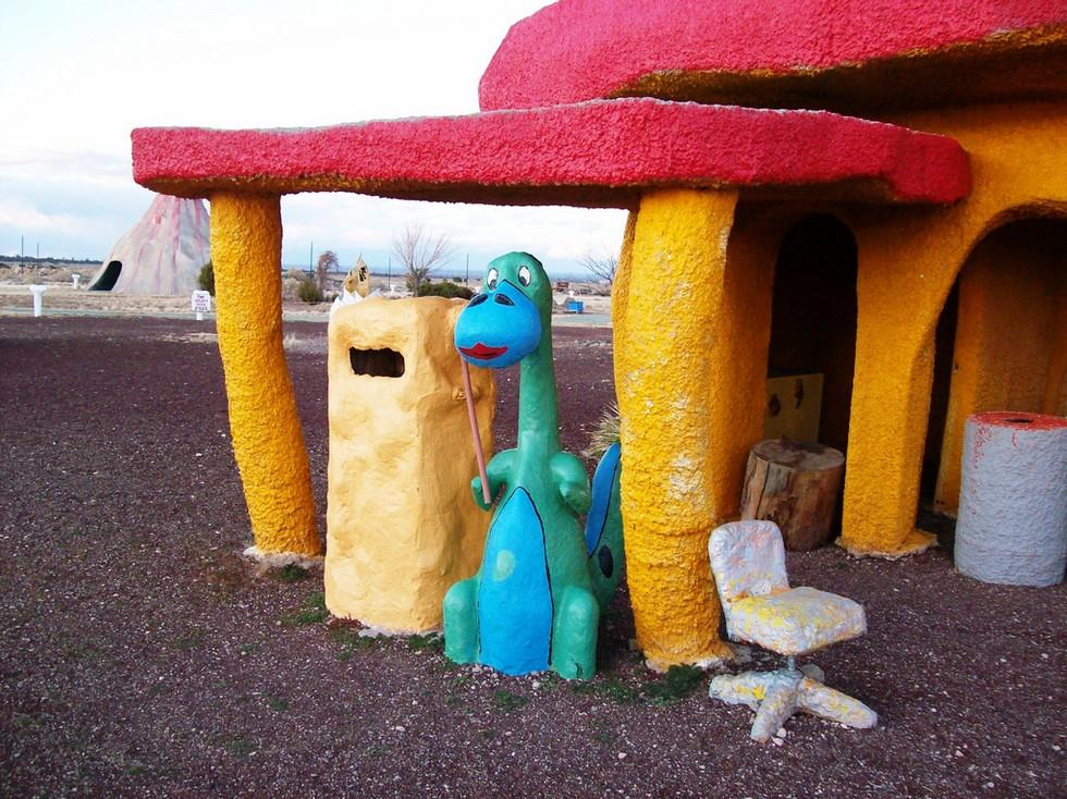 Пустынный парк Флинтстоунов в Аризоне (США)