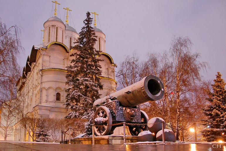 Царь-пушка: достопримечательность Москвы