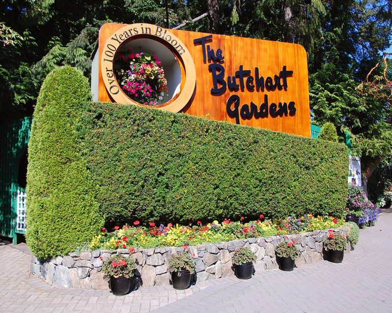 95221216_large_Butchart_Gardens_Entrance