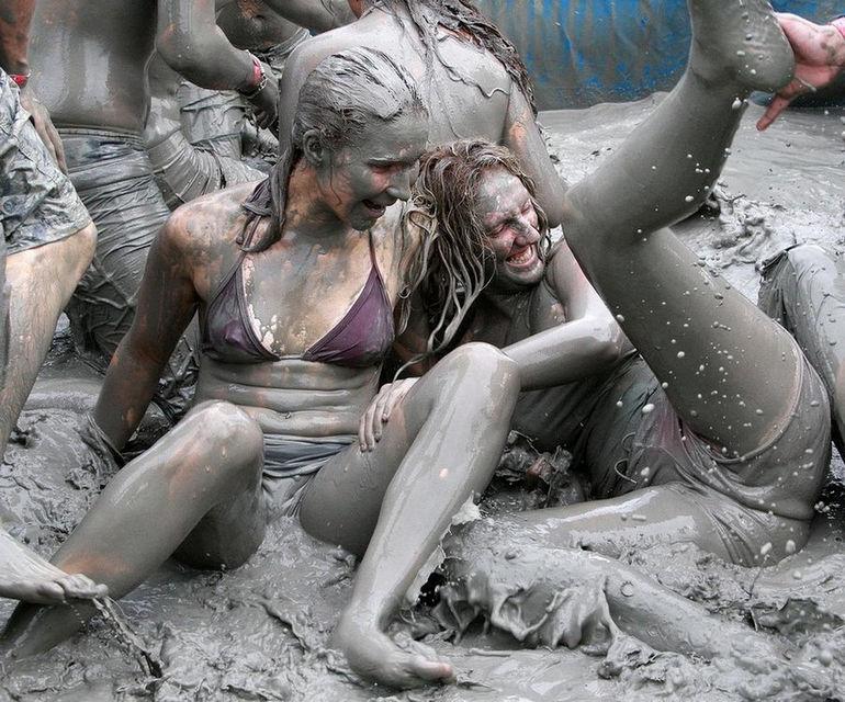 Fun-Boryeong-Mud-Festival-in-Korea-3