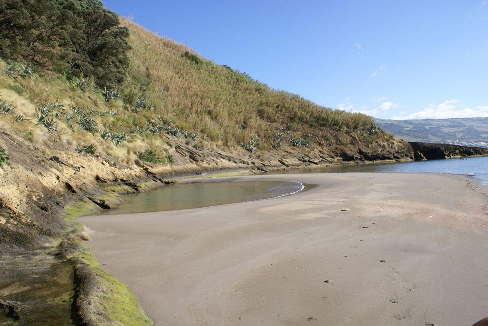 Ilhéu_de_vila_Franca_do_Campo,_praia,_Vila_Franca_do_Campo,_ilha_de_São_Miguel,_Açores