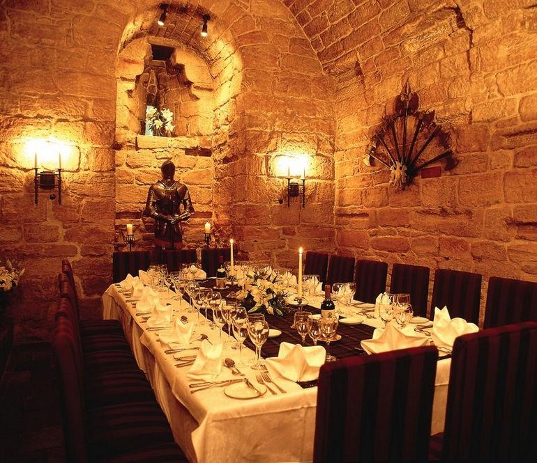 Kerker-Restaurant-Dalhousie-Castle-klein