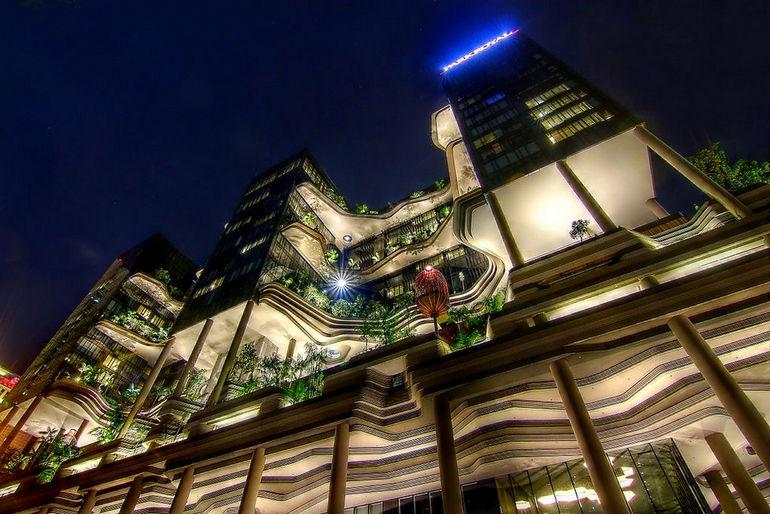 Parkroyal_on_Pickering,_Singapore,_at_night_-_20130302-01