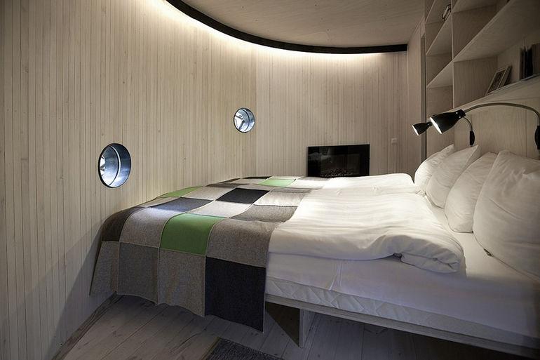 850_birds_nest_interior1_a