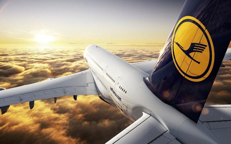 Airbus-A380-Desktop-HD-Background