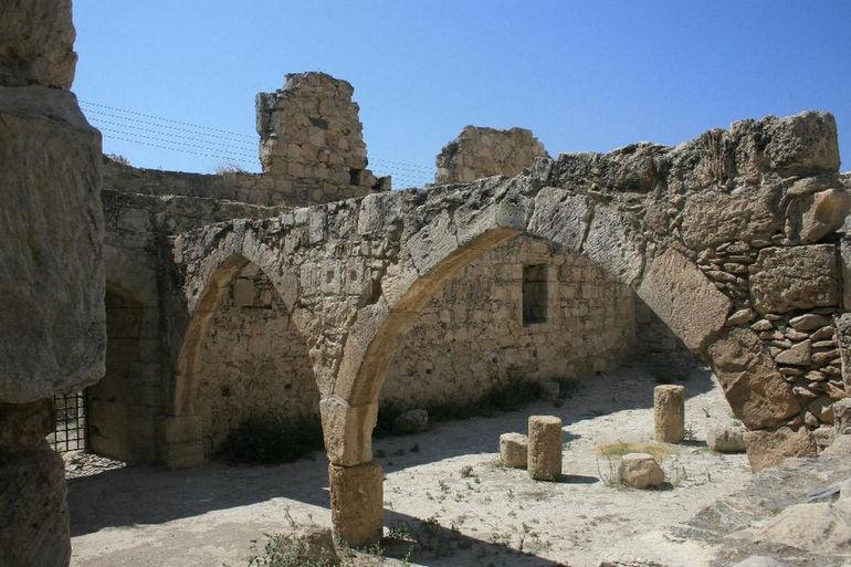Замок Колосси (Кипр)