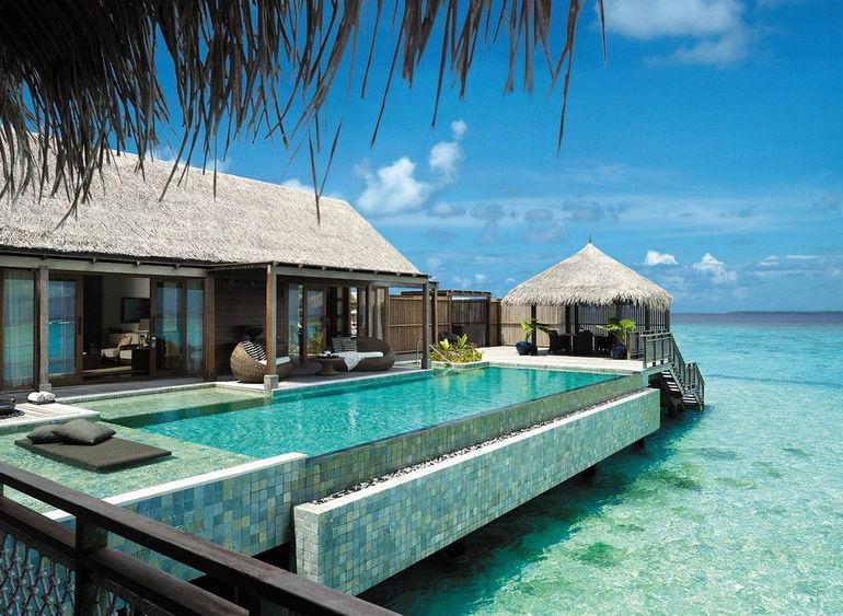 SLMD-Bg-Villa-Muthee-Deck-Infinity-Pool