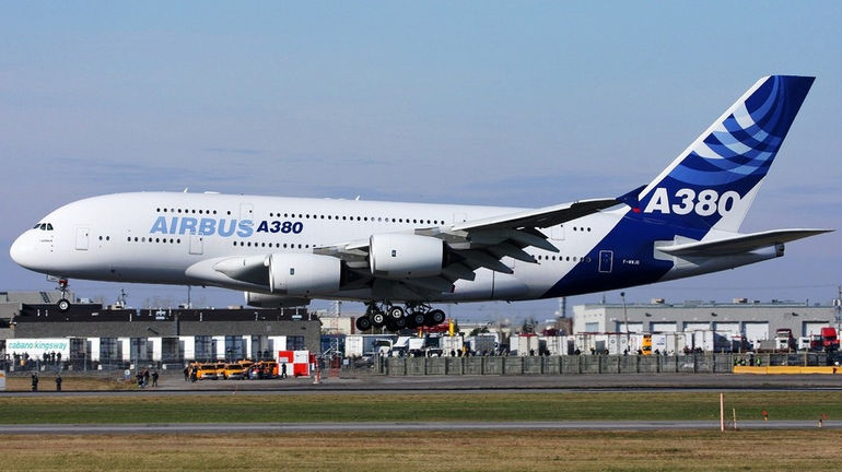 airbus_a380_low_level_flight_4982761_aircraft-wallpaper