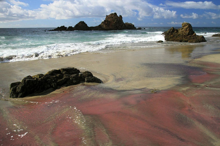 pink-sand-beach-in-big-sur-pierre-leclerc