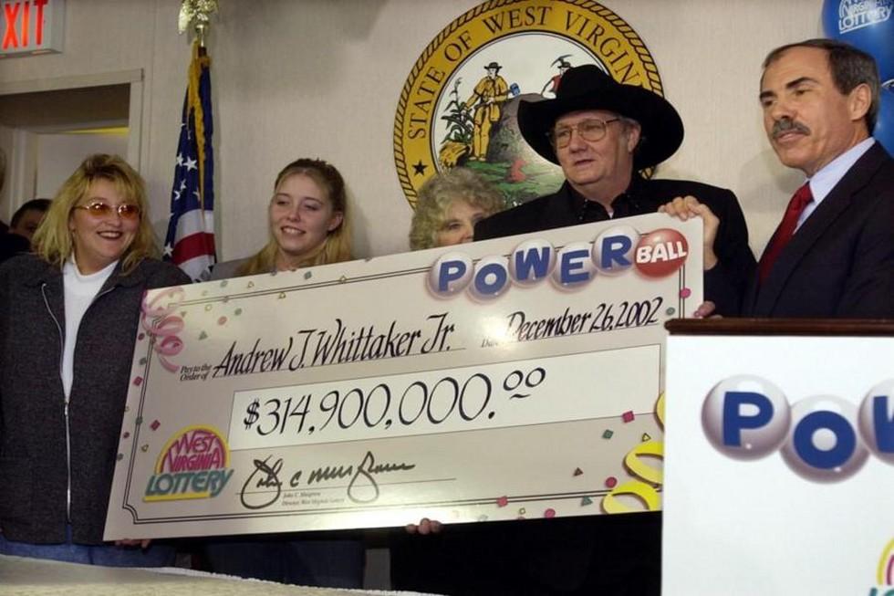Джек-Уиттэйкер-выиграл-в-лотерею-3149-млн_900x600
