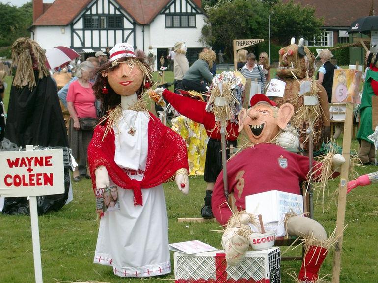 2006_Thornton_Hough_scarecrow_festival_2