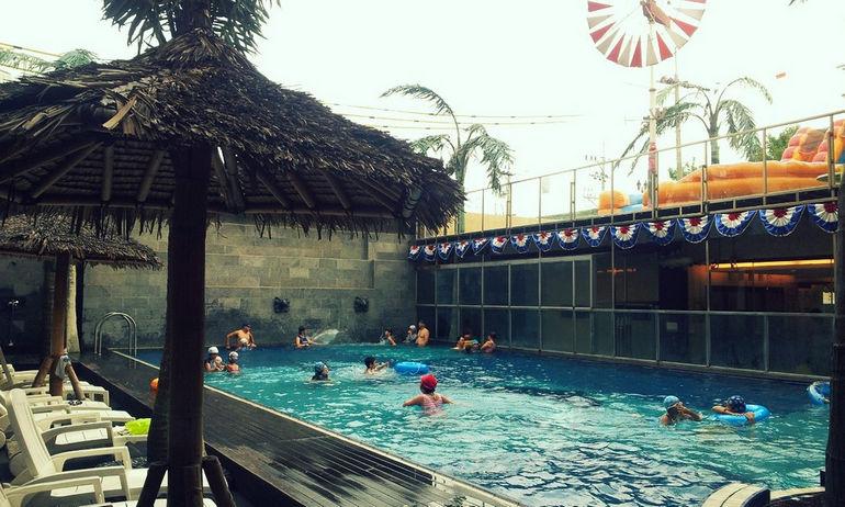 Dragon-Hill-Swimming-Pool