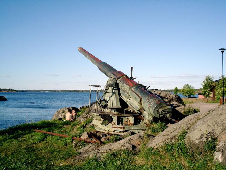 Suomenlinna_gun_1