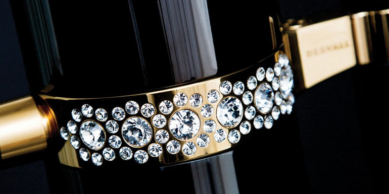 ring detail with swarovskicrystals