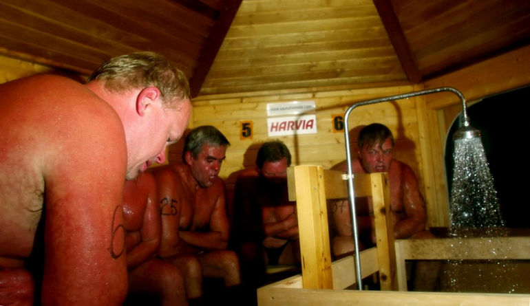 Забрела в мужскую баню #5