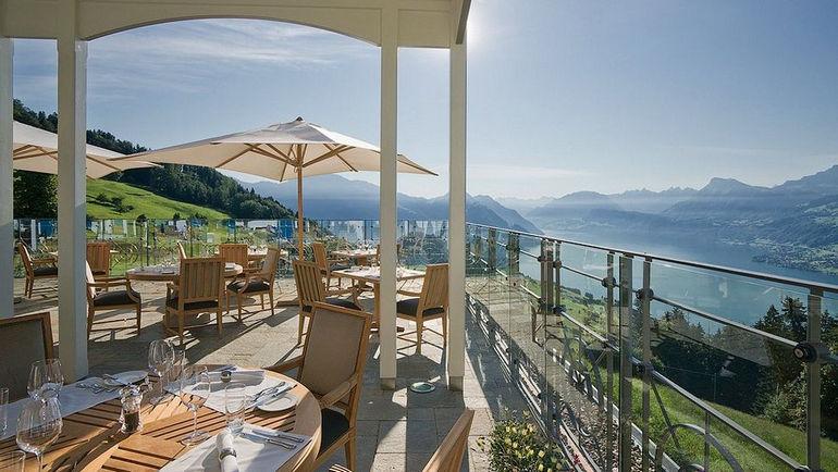 010217-11-terrace-dining
