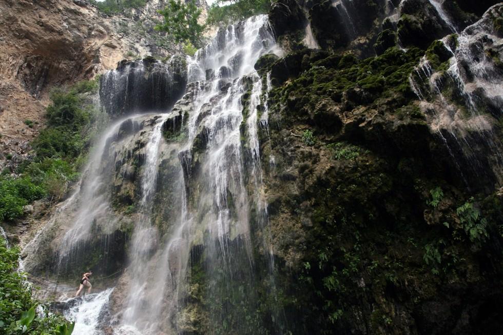 1085x1500_Мексика_waterfall 2