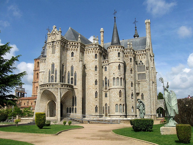Дворец епископа Грау в Асторге (Испания)