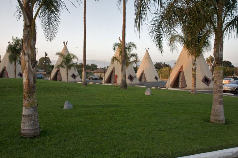 Another_wigwam_hotel_in_San_Bernardino