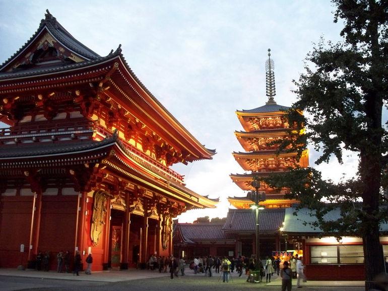 Asakusa_Cannon_temple