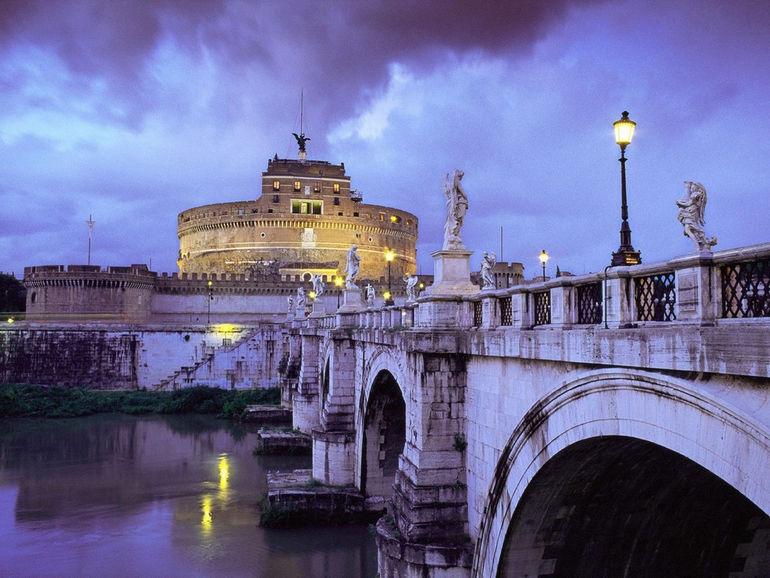Castel_SantAngelo_Hadrians_tomb_and_Bridge_Rome_Italy