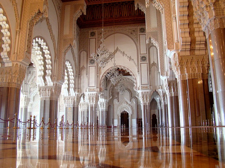 Hassan_II_Mosque_Casablanca_Interior_2011