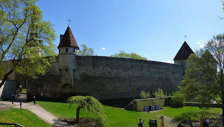 Sad-datskogo-korolya-Tallinn-E`stoniya
