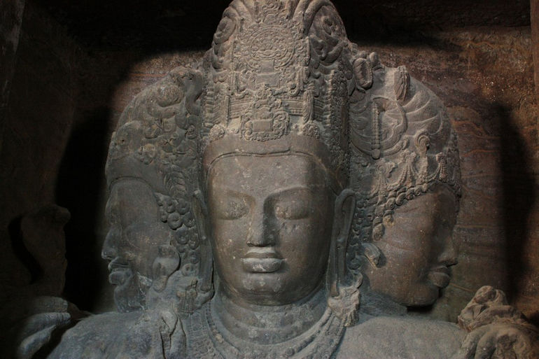 Shiva_Trimurti_@_Elephanta_Caves