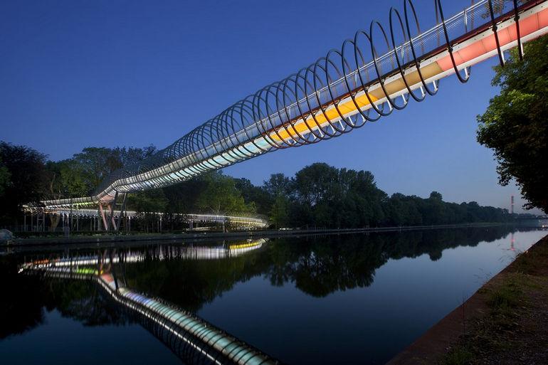 Slinky-Springs-to-Fame-Rehberger-Bruecke-I