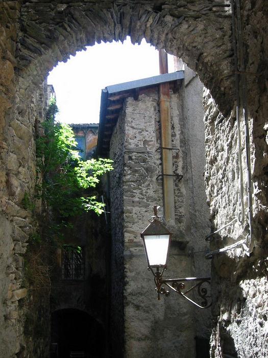 Triora street 1