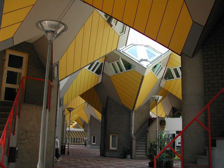 cube-houses-in-Rotterdam-piet-blom4