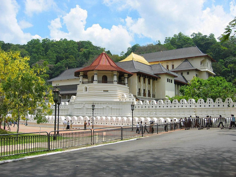 hram-Zuba-Buddyi-Kandi-SHri-Lanka