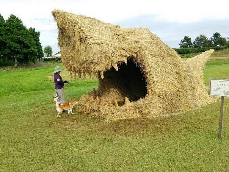 straw-sculpt-000