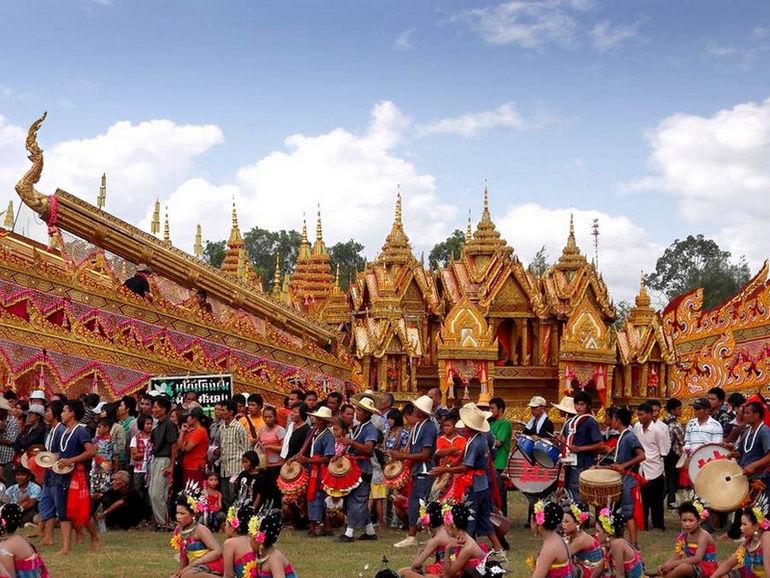 Bun Bang Fai Rocket Festival: ракеты, которые приносят урожай (Таиланд)