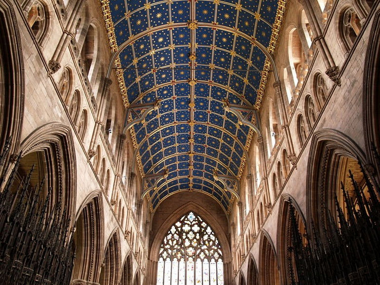 78020256_large_800pxCarlisle_Cathedral_Nave