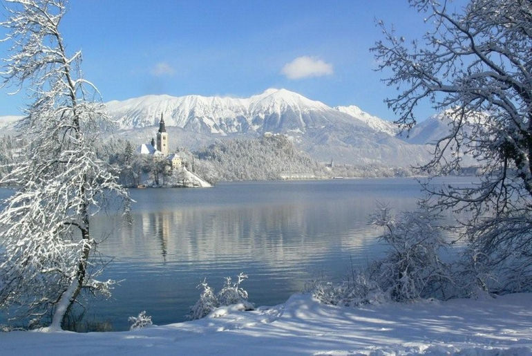 Bled_lake_winter1
