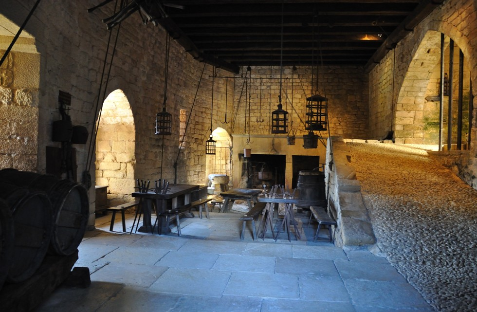 Château_de_Beynac_(Dordogne)_-_cuisine