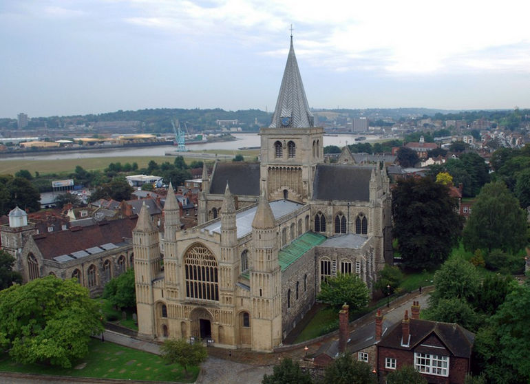 Rochester_Cathedral_from_Castle