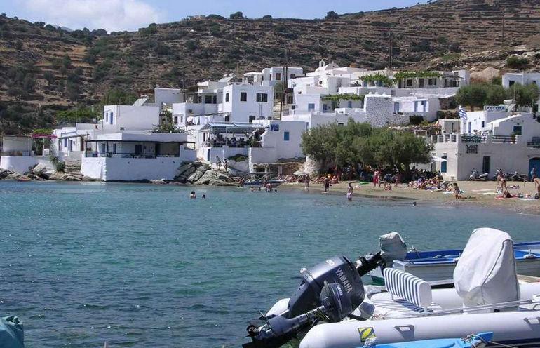 Sifnos beach13