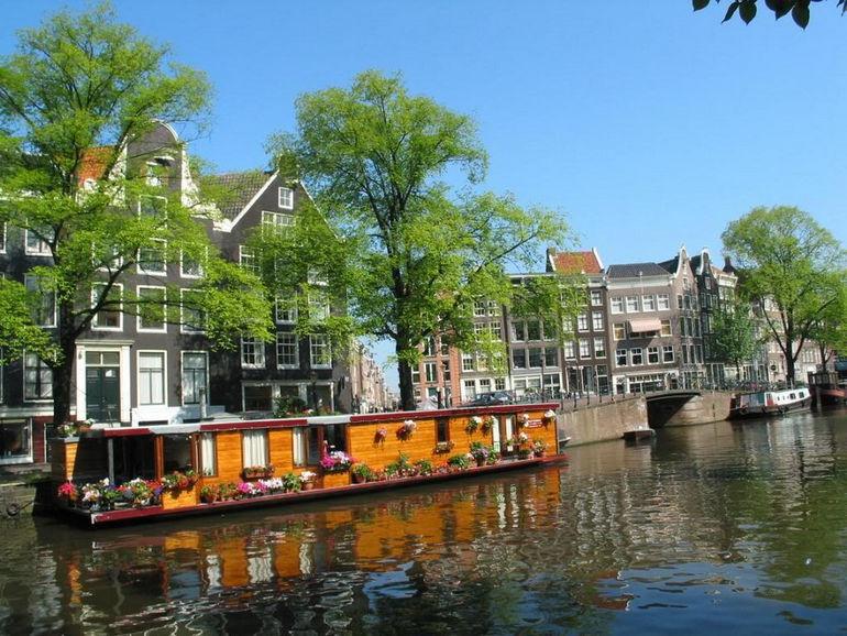 l-Amsterdam26