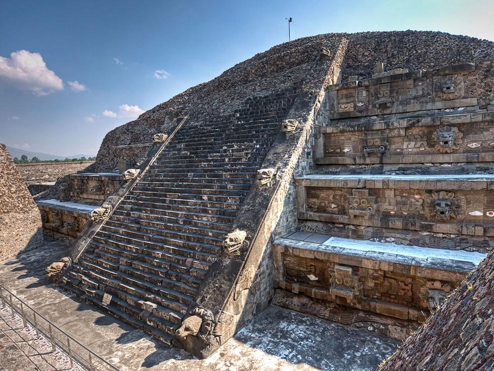 mexico-teotihuacan-temple-of-quetzalcoatl