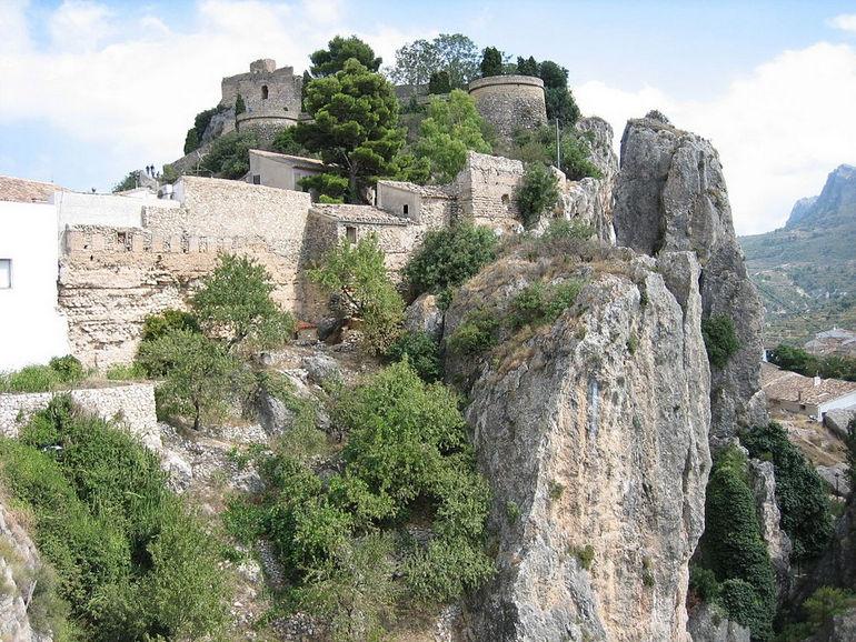 1024px-Guadalest_-_Castillo_del_Rey