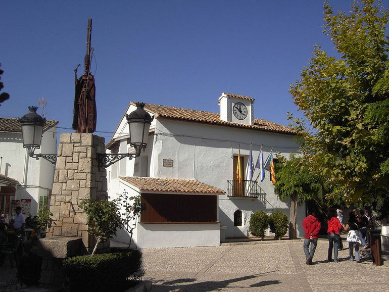 1280px-Guadalest_-_Spanje_-_town_hall