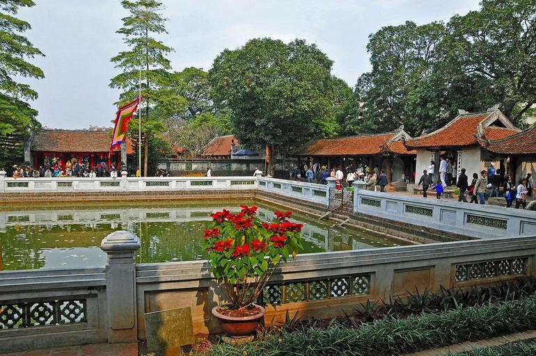 Храм Ван Мьеу (Вьетнам)