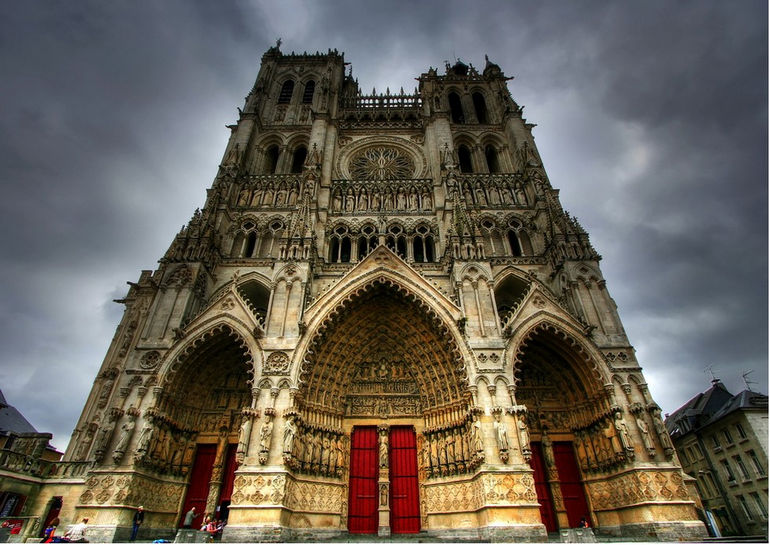 Amiens_Cathedral_by_FarStar90