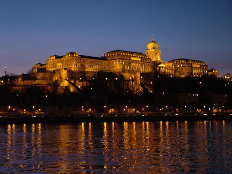 Замок Буда (Венгрия)